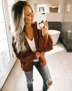 The Pink Lily Boutique ( Casual College Outfits, Mom Outfits, Fall Outfits, Cute Outfits, School Outfits, Boho Fashion Summer, Autumn Fashion, Church Outfit Winter, Ripped Jeans Outfit