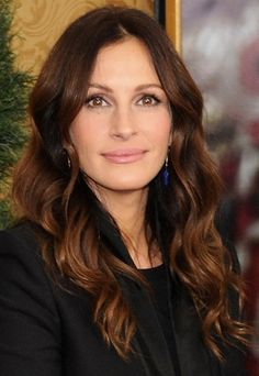 Julia Roberts kindly demonstrates THE new hair colour for Spring/Summmer - Makeup | PRIMPED