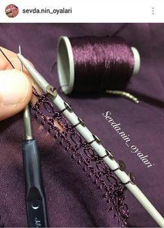 This Pin was discovered by Sal Filet Crochet, Crochet Lace Edging, Crochet Doilies, Crochet Flowers, Crochet Stitches, Knit Crochet, Color Uva, Tatting, Crochet Unique