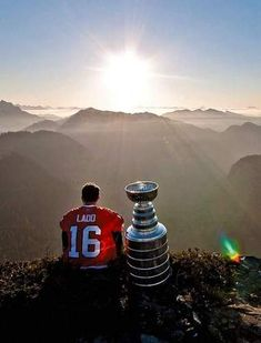2010 Andrew Ladd was flown to the top of Crown Mountain -- just north of Vancouver -- in a helicopter to watch the sun rise with Stanley.