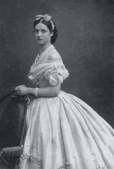 1866 Dagmar engagement jewels