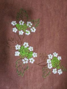 2176693753ABF1F60AB595 1,024×1,365픽셀 Embroidery Flowers Pattern, Simple Embroidery, Hand Embroidery Stitches, Silk Ribbon Embroidery, Embroidered Flowers, Embroidery Applique, Cross Stitch Embroidery, Hand Sewing Projects, Hand Embroidery Projects