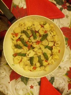 Fish tortellini with asparagus and fresh tomatoes   www.easyitaliancuisine.com