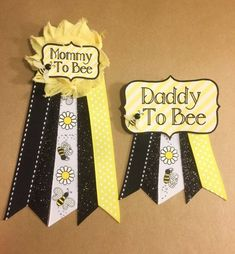 Baby Shower Bumble Bee Baby Shower pin Mommy to be pin yellow Flower Ribbon Pin Corsage Glitter Rhinestone Mommy to bee Daddy to bee Bumble Bee Baby Shower Pin Mama Pin gelbe Blume Ribbon Pin Corsage Glitter Strass Mama zu sein Bebe Shower, Baby Shower Pin, Baby Shower Cards, Baby Shower Themes, Baby Shower Parties, Shower Ideas, Mommy To Bee, Mommy To Be Pins, Bee Gender Reveal