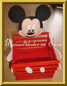 Manualidades en Goma Eva: DULCERO MICKEY MOUSE Dulceros Mickey Mouse, Mickey Mouse Birthday Theme, Mickey Mouse Classroom, Mickey Mouse Crafts, Minnie Mouse Birthday Decorations, Mickey Party, Miki Mouse, Mickey Mouse Theme Party, Diy Creative Ideas