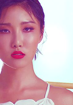 Hwasa girl was good?! AUGH! Be still this semi-gay heart of mine!!!