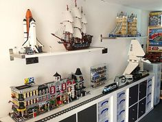 LEGO Room Project by atkinsar - http://thebrickblogger.com/2013/08/building-a-lego-room/