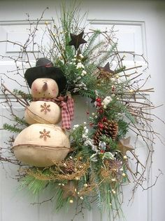 Simple country Christmas wreath with Snowman - love :) @Tammy Tarng Tarng Tarng Tarng Tarng Tarng Tarng Walker I need you to make me this!!!