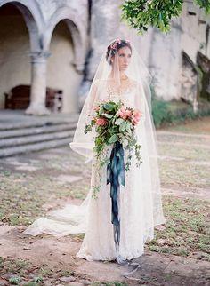 wedding bouquet with blue velvet ribbon - Recherche Google