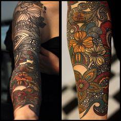 #tattooinprogres #tattooart #yaninaviland #vilandartmod #ornaments #flowerstatto
