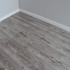 Varnished Grey Glossy Laminate Flooring - My best decoration list Laminate Flooring Colors, Grey Flooring, Wood Laminate, Wooden Flooring, Grey Hardwood Floors, Flooring Ideas, Wooden Floors Living Room, Bedroom Flooring, Living Room Grey