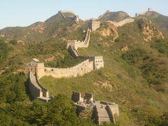 Los 10 muros más famosos del mundo - https://vivirenelmundo.com/los-10-muros-mas-famosos-del-mundo/