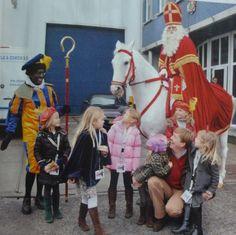 Als koninklijk gezin heb je wel een streepje voor en krijg je een exclusieve meet en greet bij de Sint!