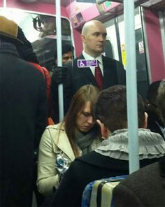 All The Gamers On The Train Are Shitting Their Pants Gamer Humor, Gaming Memes, Funny Fails, Funny Memes, Hilarious, Jokes, Super Funny, Really Funny, Hitman Agent 47