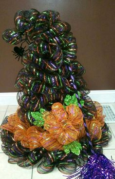 Deco Mesh tomato trees | Witch Hat by Angie Yeager. Deco Mesh, tomato cage, 100 ct strand ...
