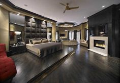 Hines Ward's bedroom, in the 12,000 sq ft mansion he's currently selling.