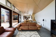 Gallery of Blueys Beach House 4 / Bourne Blue Architecture - 3