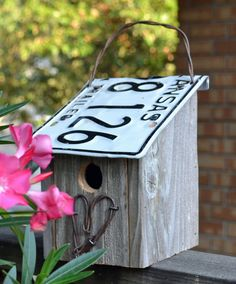 Rustic Birdhouse - Farm House Birdhouse - Rustic Heart
