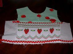 Smocked Insert Tutorial - Part 2 Smocking Plates, Smocking Patterns, Dress Patterns, Sewing For Kids, Baby Sewing, Little Girl Dresses, Girls Dresses, Baby Dresses, Smocking Tutorial