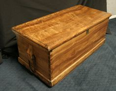 Sea chest with ship painting and compass rose - exterior