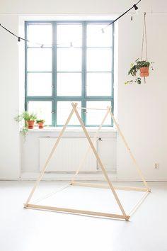 Bambula DIY playtent for kids. Diy Teepee, Teepee Kids, Sewing For Kids, Diy For Kids, Diy Little Girls Room, Childrens Play Tents, Diy Interior, Diy Room Decor, Home Decor