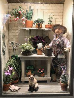 Galerie – National Association of Miniature Enthusiasts - Bepflanzung Vitrine Miniature, Miniature Rooms, Miniature Gardens, Miniature Houses, Fairy Gardens, Miniature Greenhouse, Doll House People, Garden Basket, Flower Cart