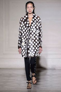 """<p tabindex=""""-1"""" class=""""tmt-composer-block-format-target tmt-composer-current-target"""">A look from Maison Martin Margiela's spring 2015 show. Photo: Imaxtree</p>"""