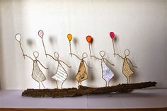 WASHDAY COLL...WITH 5 BALLOONS Epistyle: Cinq sœurs et des ballons