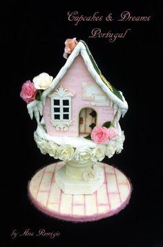 CAKE INTERNATIONAL LONDON - FAIRY HOUSE BRONZE MEDAL by Ana Remígio - CUPCAKES & DREAMS Portugal