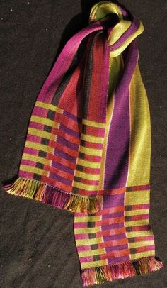 Great color sense and contrast. Handwoven scarf by Barbara Herbster. Loom Weaving, Hand Weaving, Cricket Loom, Woven Scarves, Weaving Projects, Tear, Scarf Design, Weaving Patterns, Weaving Techniques