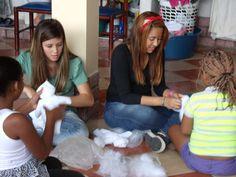 Uma oficina de Bonecas de Pano só com crianças e adolescentes