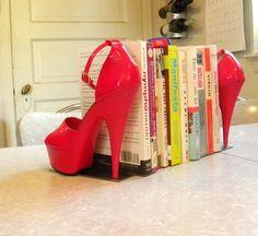Decoração: 10 Aparadores de Livros Muito Legais - Cores da Casa
