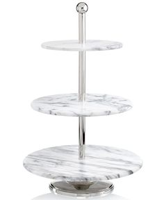 Make any dinner party a grand affair with the La Cucina server by Godinger. Crafted in beautifully textured marble and lustrous metal, the server is perfect for displaying desserts, hors d'oeuv