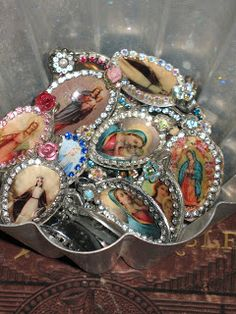 {Artsy Fartsy: Antique Show & Sale} Flattened spoons shrines. Very cool and unique! Catholic Crafts, Catholic Art, Religious Art, Spoon Jewelry, Antique Show, Found Art, Little Flowers, Mexican Folk Art, Altered Art