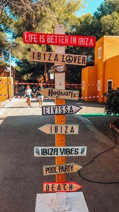 September in Ibiza - My Trendy Lifestyle Hippie market ibiza Ibiza Travel, Spain Travel, Ibiza Trip, Ibiza Strand, Eivissa Ibiza, Ibiza Party, Ibiza Beach, Reisen In Europa, Ibiza Fashion