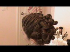 Such an interesting tutorial - and a super simple method for the big curls!!  One to try for sure!