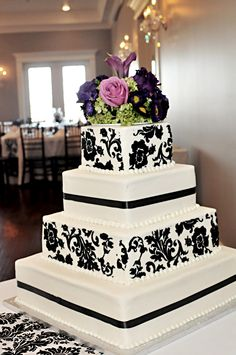 Beautiful Damask Wedding cake at The Milestone