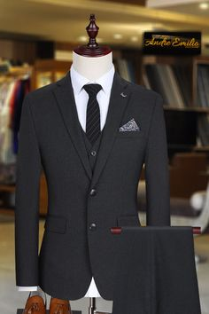 To get an amazing suiting experience buy this customize Ink Blue 3 pcs suit with V-Shape 5 button waistcoat. The fabric is Italian Tropical one of the finest. For perfect look Paired this with brown shoes. Mens Suit Vest, Mens Suits, New Style Suits, Mens Charcoal Suit, Suit Shoes, Black Suits, Mens Fashion Suits, Gentleman Style, Men Dress