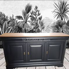 Hallway Decorating, Interior Decorating, Rustic Tv Console, Black Furniture, Home Decor Kitchen, Home Staging, Black House, Furniture Makeover, Sweet Home
