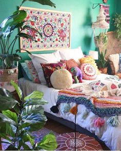 403 BOHO BEDROOM Boho bedrooms are influenced by the colorful hippie trends ofthe The gave rise to many of the trends associated with bohemian home decor. The boho chic style is primarily influenced by the preraphaelites. Bohemian Bedroom Design, Bohemian Decor, Bohemian Gypsy, Gypsy Style, Eclectic Bedrooms, Bohemian Style Bedrooms, Modern Bohemian, Bedroom Designs, Boho Home