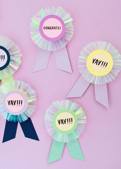 DIY iridescent paper prize ribbons with printable messages! Diy Craft Projects, Projects For Kids, Diy For Kids, Diy And Crafts, Kids Fun, Diy Ribbon, Ribbon Crafts, Kids Prizes, Diy Paper