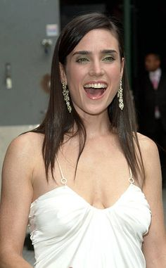 Jennifer Connelly Color Busto during Jennifer Connelly Visits 'The Late Show with David Letterman' June 30 2005 at Ed Sullivan Theater in New York City New York. Jennifer Connelly Young, Jennifer Garner, Jennifer Lawrence, Beautiful Celebrities, Beautiful Actresses, Most Beautiful Women, Hollywood Celebrities, Hollywood Actresses, Amanda Seyfried