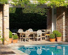 Marie Flanigan Interiors Blog - The Fine Art of Landscaping - Lanson B Jones Landscaping - Contemporary English Garden - Contemporary English Landscaping - Contemporary English Exterior