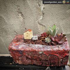 -------> @jewelgarden_acoさん 2016.3.17 『JUNK♯BLOCK8』 . 鉢も、煙突付きのおうちも、 全部 てづくり♪ . CouCou☆クゥクゥ〜3.2.1  Dily2周年記念イベント〜 @dily_tomio さんに納品します♡ . . #block8 #ブロック鉢 #おうち #寄せ植え #garden #ガーデン #ガーデニング #gardening #多肉植物 #インテリア #プレゼント #ギフト #ジャンクスタイル #junkstyle #ジャンクテイスト #多肉植物の鉢 #junk #ディスプレイ #オブジェ #ガーデン雑貨 #雑貨 #ハンドメイド #Present #gift #ジュエルガーデン #jewelgarden