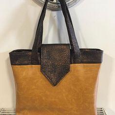 Marina MLP sur Instagram: Bonjour, mon nouveau sac 💖. Le «madison» de @patrons_sacotin . Bonne journée et bonne fête à toutes les mamies 😊. #sac #couture #sacotin