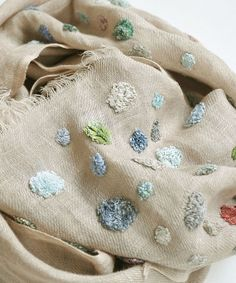 17 Ways to Style a Silk Square Scarf Make Your Outstanding Embroidery Scarf, Embroidery Patterns, Hand Embroidery, Textiles, Irish Crochet, Knit Crochet, Fabric Embellishment, Textile Fiber Art, Diy Sewing Projects