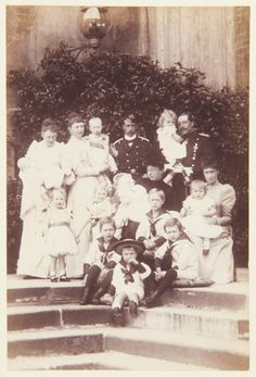 """misshonoriaglossop: """" """"Aww, isn´t it nice? Smile for great-grandma!"""" """"I´m surrounded by babies, no escape"""" Photograph of a family group portrait consisting of seventeen members of the German Imperial family. Includes Emperor Wilhelm II of Germany. Queen Victoria Family, Princess Victoria, German Royal Family, Germany And Prussia, Hesse, Royal Collection Trust, King Of Prussia, Cultura General, Empire"""