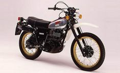 I had one of these as a young lad. Awesome bike but it could 'kick back' when starting. I still have the wounds to show for it. Yamaha Xt 500, Motos Yamaha, Honda Scrambler, Yamaha Motorcycles, Custom Motorcycles, Custom Bikes, Best Motorbike, Motorbike Design, Motorcycle Icon