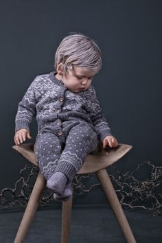 Aurora Borealis in fashion? It's easy with a new collection by Mole Little Norway kids brand Kids Knitting Patterns, Knitting For Kids, Free Knitting, Crochet Patterns, Baby Girl Fashion, Kids Fashion, Vogue Kids, Cozy Fashion, Baby Warmer