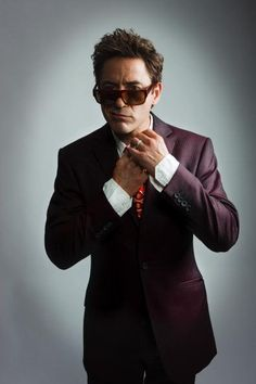 Love the facial expression.  Robert Downey Jr.
